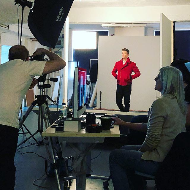 Photo shoot day 2 📸 shooting the @leemarshbespoke red bomber. Thank you Lee for loaning us your beautiful jacket! #behindthescenes #hainsworth #fabricofanation