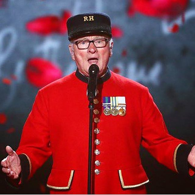 Congratulations to #ChelseaPensioner Colin Thackery – the winner of #BGT 2019! Here he is performing in his #iconic uniform, made from #Hainsworth Scarlet cloth. #fabricofanation #britishtextiles
