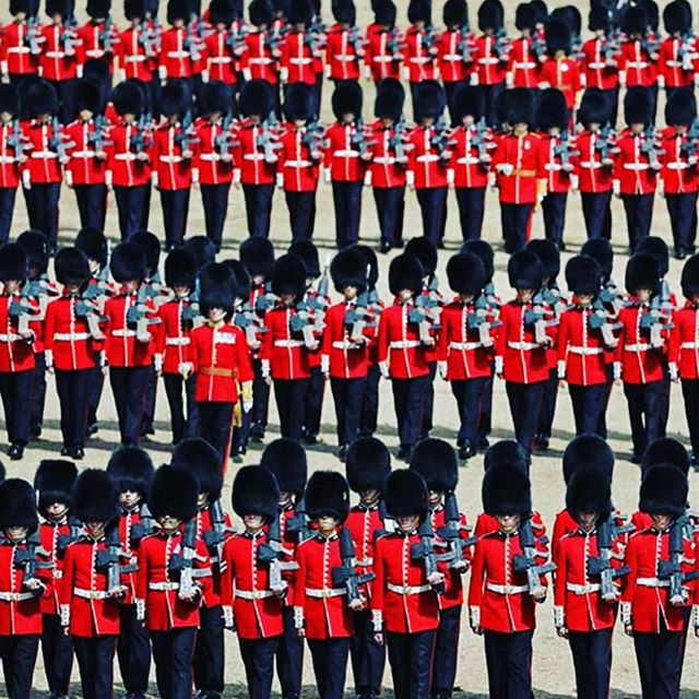 Looking back proudly at #troopingthecolour2019. Did you know that each and every scarlet uniform worn by the queen's guards at this prestigious event is made from #Hainsworth cloth? We also produce the navy fabric for the trousers and the grey for the greatcoats which the queen's guards wear during the winter months. #fabricofanation #britishheritage
