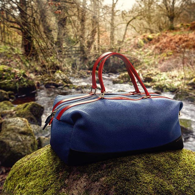 The @globe_trotter1897 holdall, made from bespoke #Hainsworth Pilot Cloth in RAF blue. #fabricofanation #bestofbritish #britishstyle #britishtextiles #craftsmanship #choosewool #merinowool