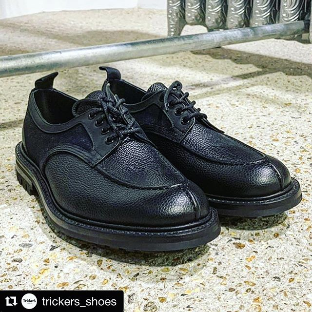 AW19 footwear from @trickers_shoes and @nicholas_daley, featuring classic #Hainsworth woollen cloth. #repost with @get_repost ・・・ We are delighted to work for a second time with @nicholas_daley on his AW19 footwear design: a split-toe apron shoe.  The shoe combines scotch grain leather and merino wool from @awhainsworth of Yorkshire and has a goodyear welt and commando sole.  The collection is available from @doverstreetmarketlondon . . . #trickers  #NicholasDaley #shoes #northamoton #madeinnorthampton #exclusive #mensfashion #goodyearwelted #apronsplittoe #apronshoes #scotchgrain #pebblegrain #doverstreetmarket #dsmlondon #mensshoes #aw19 #doverstreetmarketlondon #newgen #britishfashioncouncil #madeinengland #hainsworthwool #trickersat190