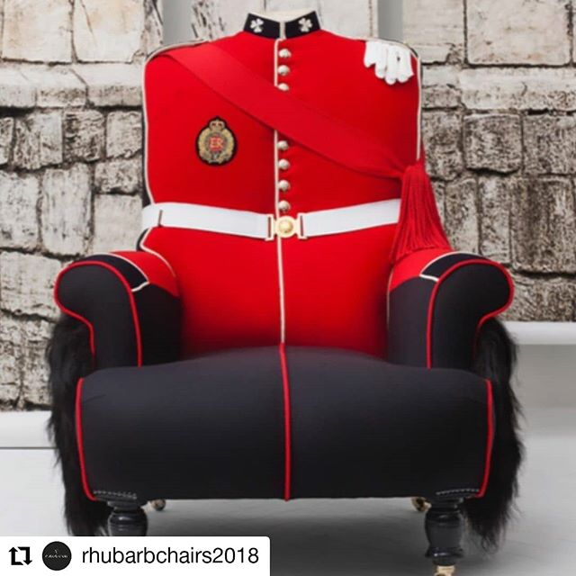 Just one of the amazing uniform chairs from @rhubarbchairs2018 made from Hainworth cloth. Fab.  #Repost @rhubarbchairs2018 • • • • • • Windsor Castle  British & Proud RhubarbChairs.com #irishguard #tunic #castle #windsor #regalia #military #miliart #art #chair #unique #bespoke #red #monarchy #queen #GB #BuckinghamPalace #WindsorCastle @awhainsworth #awhainsworth #traditional #fabrics #sustainablefashion @martynbullard